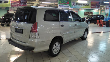 2011 Toyota Kijang Innova E+ - Barang Bagus Siap Pakai (s-1)
