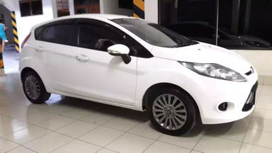 2013 Ford Fiesta trend - Barang Cakep