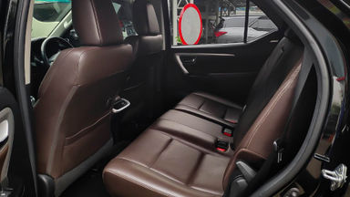 2016 Toyota Fortuner VRZ 2.4 - Mobil Pilihan (s-4)