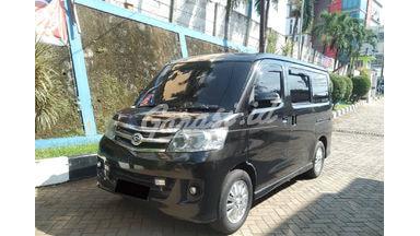 2009 Daihatsu Luxio X