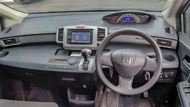 2014 Honda Freed PSD - Mobil Pilihan (s-4)