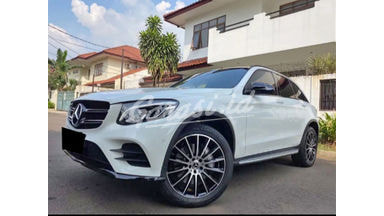 2019 Mercedes Benz GLC 200 AMG - Mobil Pilihan