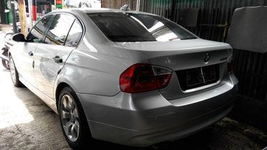 2005 BMW 3 Series 320i - Kondisi Istimewa (s-4)