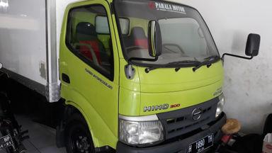 2012 Hino Dutro 110 SDL - Siap Pakai (s-0)