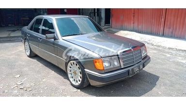 1991 Mercedes Benz E-Class 300e - Mulus Siap Pakai