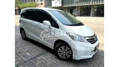 2013 Honda Freed E - Siap Pakai