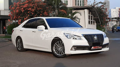 2013 Toyota Crown Royal Saloon - Faclift Perfect