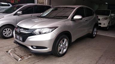 2015 Honda HR-V E CVT - mulus terawat, kondisi OK, Tangguh