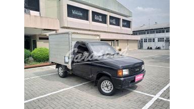 2004 Isuzu Panther Box