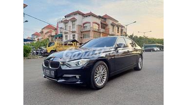 2013 BMW 320i Luxury AT