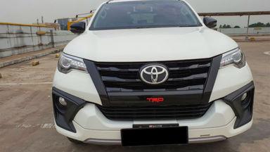 2018 Toyota Fortuner TRD Sportivo Diesel  AT - Mobil Pilihan (s-1)