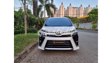 2018 Toyota Voxy -