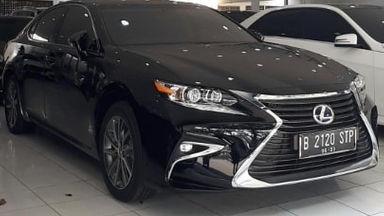 2018 Lexus ES 300H - Istimewa