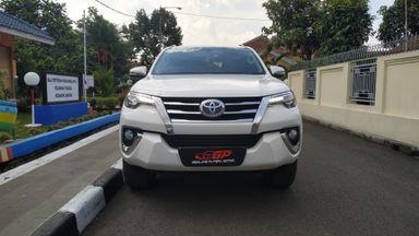 2016 Toyota Fortuner 2.4 VRZ DIESEL - A/T ISTIMEWA SIAP PAKAI (s-1)