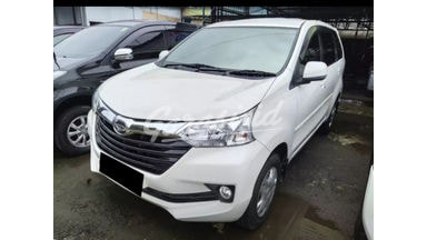 2015 Daihatsu Xenia R - Mobil Pilihan