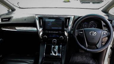2015 Toyota Alphard SC Audioless - Mobil Pilihan (s-4)