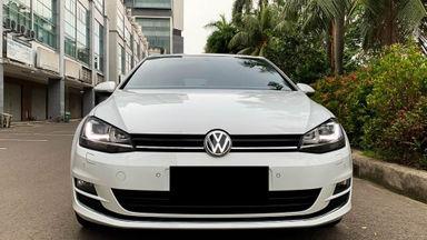 2017 Volkswagen Golf TSI - Mobil Pilihan (s-1)