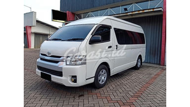 2018 Toyota Hiace MT - Mobil Pilihan