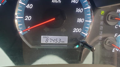 2013 Toyota Fortuner 2.7 V 4x4 Bensin AT Fullspec - Favorit Dan Istimewa (s-2)