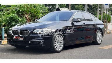 2015 BMW 5 Series 528i - Mobil Pilihan