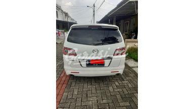 2011 Mazda 8 AT - Pemakaian Pribadi