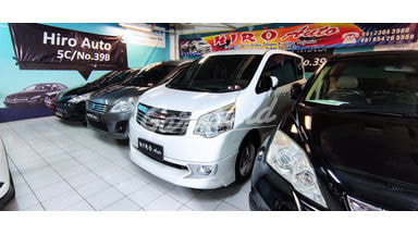 2013 Toyota Nav1 V Luxury