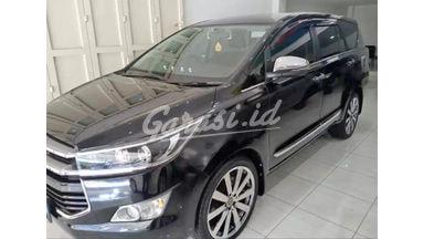 2017 Toyota Kijang Innova V - Mobil Pilihan