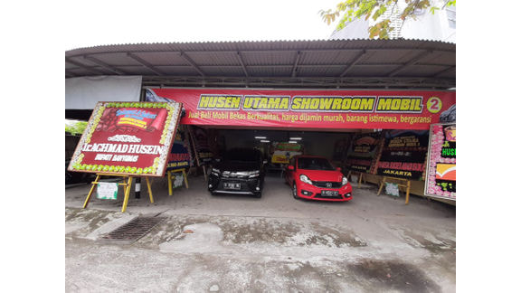 Husen Utama Showroom Mobil