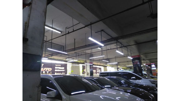 Chris Auto Gallery Jakarta