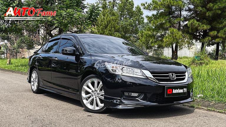 2015 Honda Accord VTIL  Full Spec - Mobil Pilihan (preview-0)