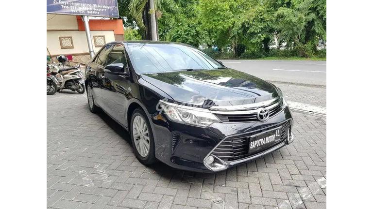 2015 Toyota Camry V - Mobil Pilihan (preview-0)
