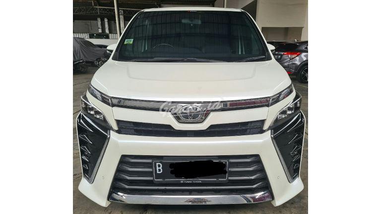 2019 Toyota Voxy 2.0 - Mobil Pilihan (preview-0)
