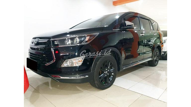 2019 Toyota Kijang Innova Venturer 2.4 - Mobil Pilihan (preview-0)