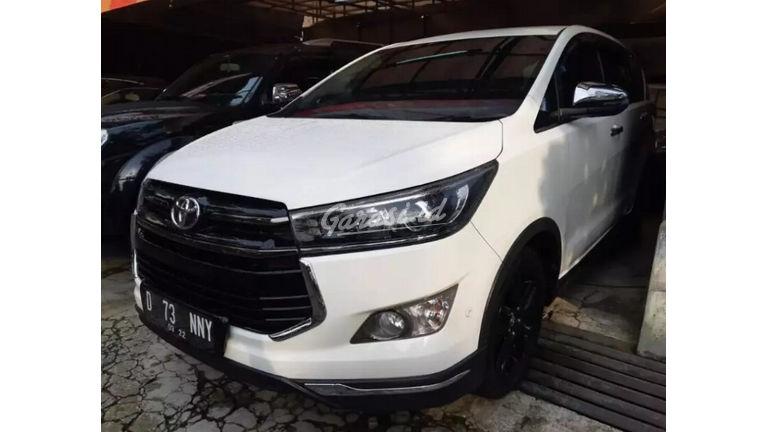 2017 Toyota Kijang Innova Venturer AT - Istimewa Siap Pakai (preview-0)
