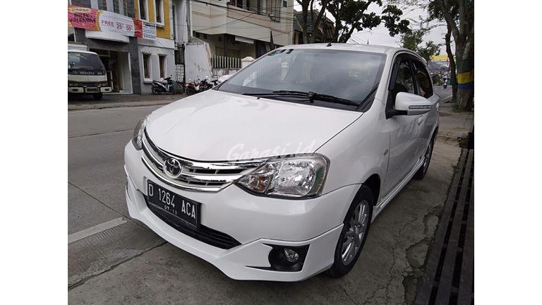 Jual Mobil Bekas 2014 Toyota Etios Valco G Kota Bandung 00dy827