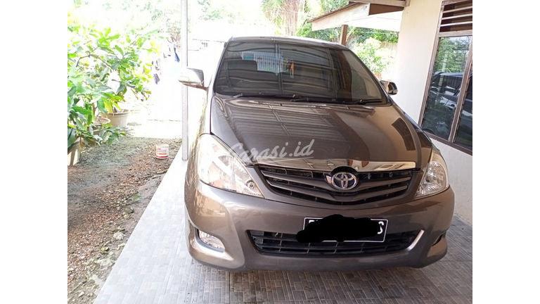 2009 Toyota Kijang Innova E - bawa pulang mobil dengan harga terjangkau (preview-0)