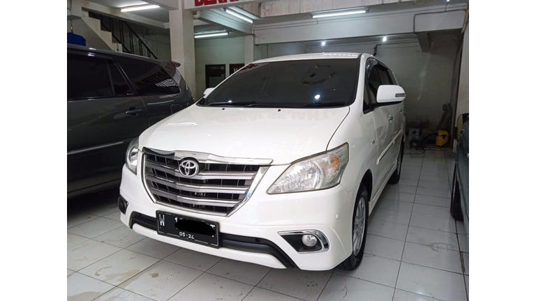 2014 Toyota Kijang Innova V (preview-0)