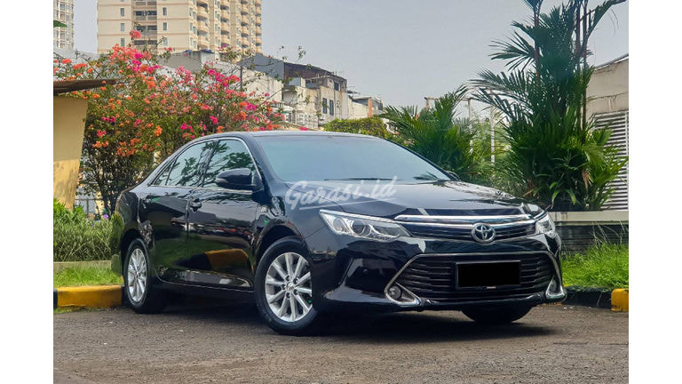 2016 Toyota Camry G - Mobil Pilihan (preview-0)