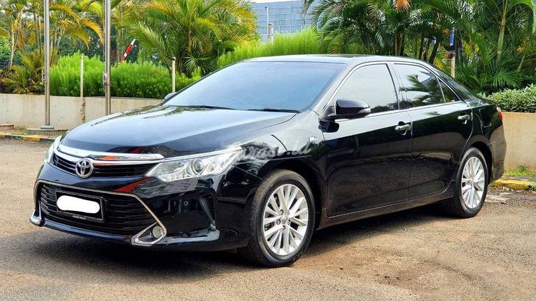 2018 Toyota Camry V - Mobil Pilihan (preview-0)