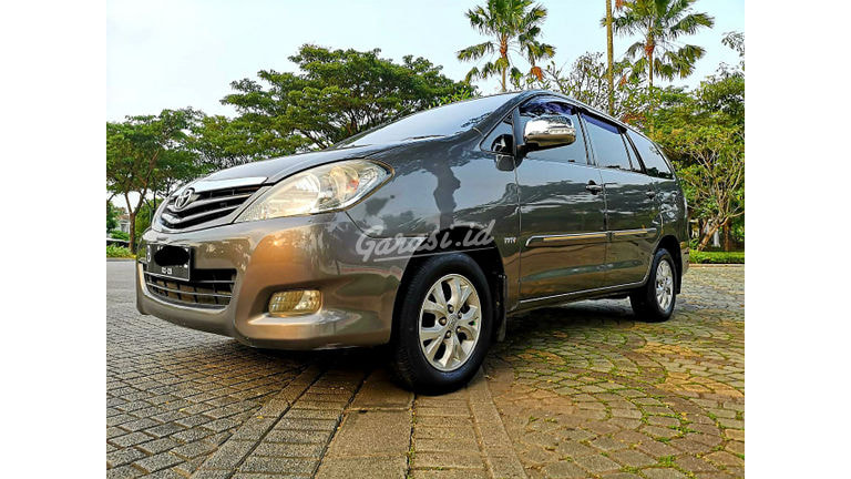 2010 Toyota Kijang Innova G - Kredit Tersedia (preview-0)