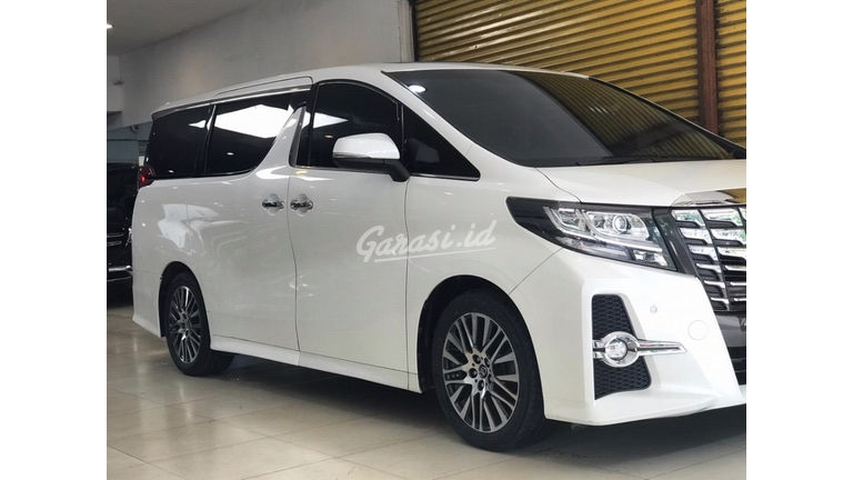 2015 Toyota Alphard SC Audioless - Matic Good Condition (preview-0)