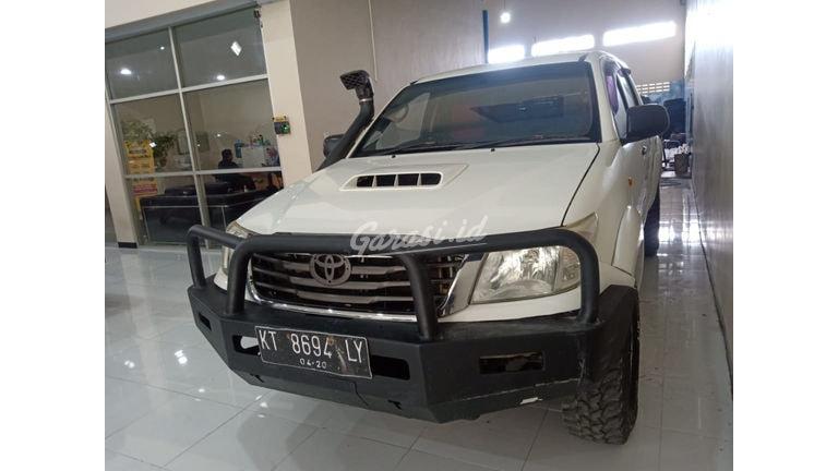 2015 Toyota Hilux E (preview-0)