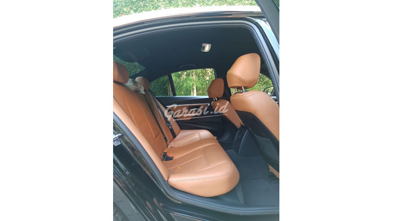 2018 BMW 320i Luxury - Mobil Pilihan (preview-0)