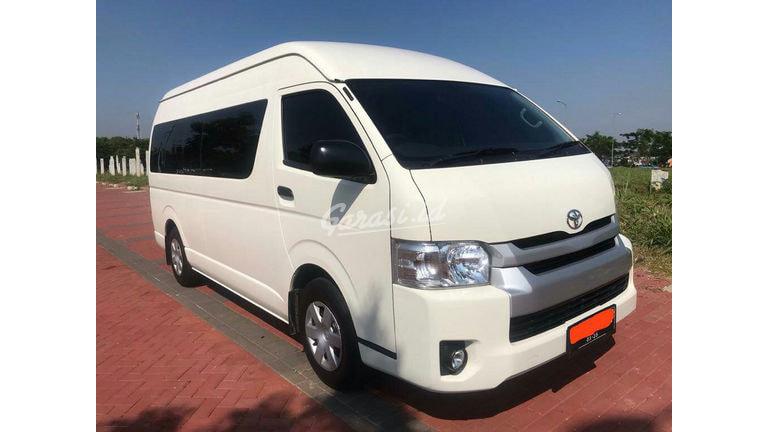 2020 Toyota Hiace Commuter - Mobil Pilihan (preview-0)