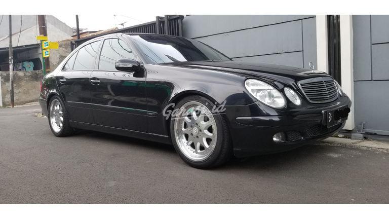 2005 Mercedes Benz E-Class E200 Kompresor - Good Condition (preview-0)