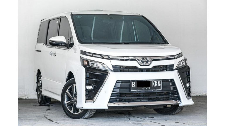 2018 Toyota Voxy 2.0 (preview-0)