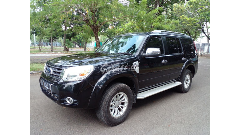 2013 Ford New Everest 2.5 L MINIBUS (preview-0)