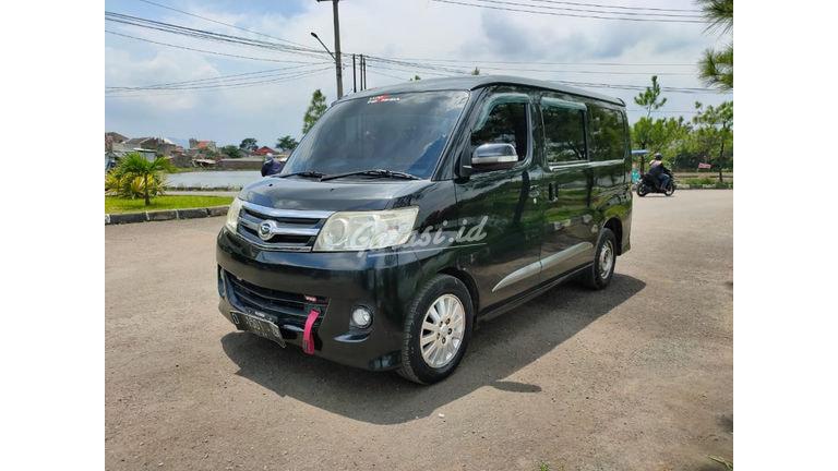 2012 Daihatsu Luxio X (preview-0)