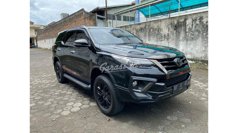 2018 Toyota Fortuner VRZ - Mobil Pilihan (preview-0)