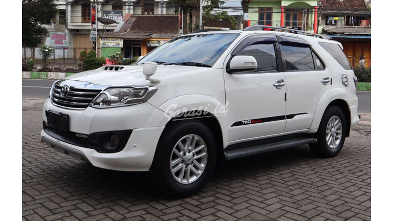 2013 Toyota Fortuner TRD VNT (preview-0)